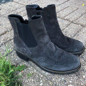 GABOR Charcoal Suede Chelsea Ankle Boot US 7